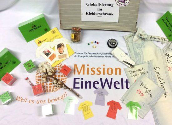 """Themenkiste """"Globalisierung im Kleiderschrank"""", Mission EineWelt"""