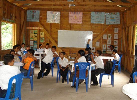 Selbstständigkeit lernen, Verantwortung übernehmen und Solidarität leben. Die Unterrichtsmethode der Fundación Nueva Esperanza setzt auf soziale Kompetenzen der Schüler*innen, Elote e.V.