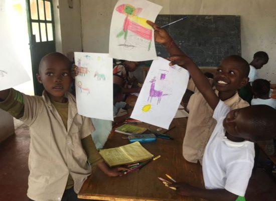 Maisha Mazuri Children Centre, Internat, Kinderheim und Kindergarten, gemeindlicher Versammlungsort für landwirtschaftliche und medizinische Seminare und Schulungen, Hand in Hand für Kenia e.V.